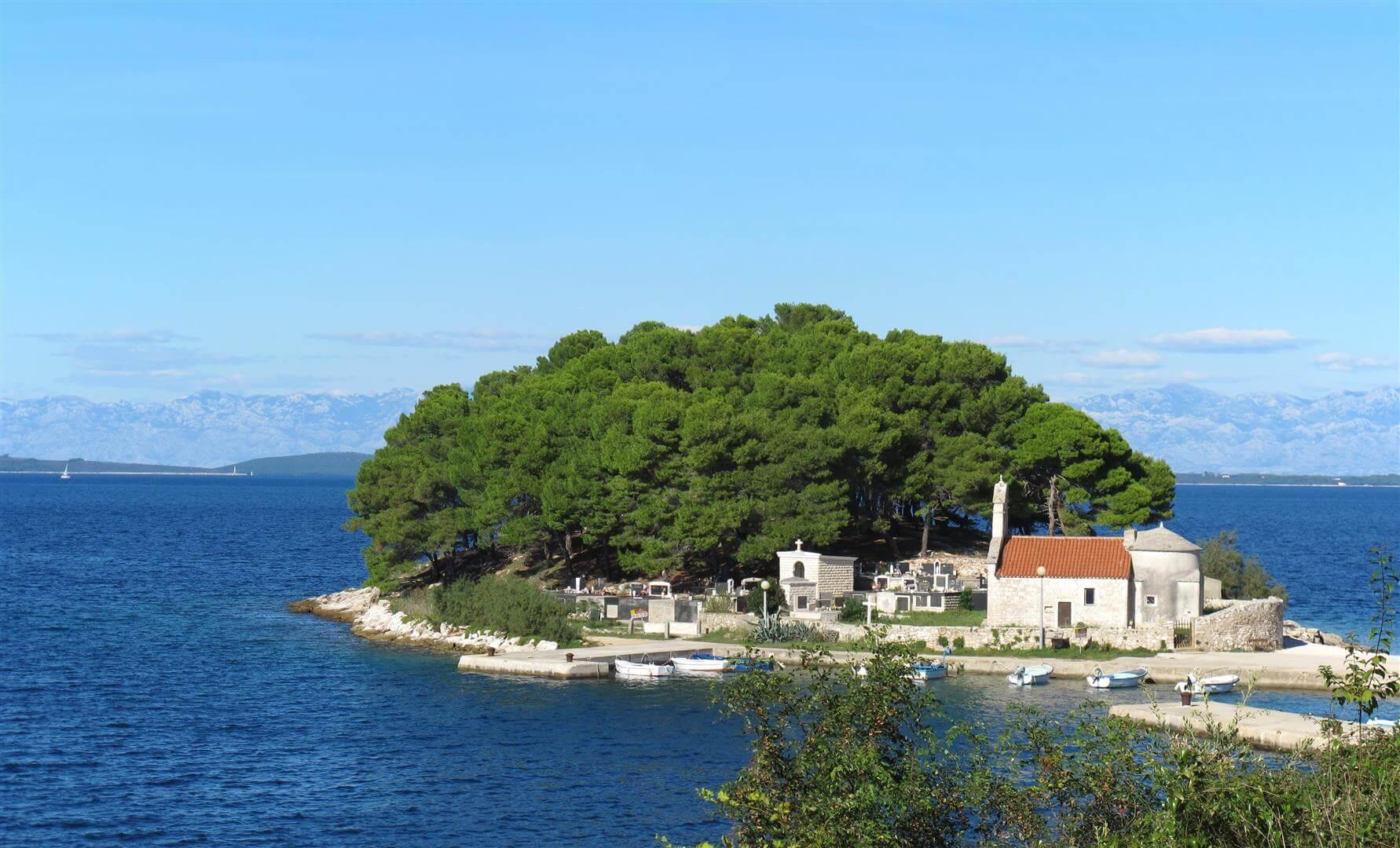 dugi otok crkva